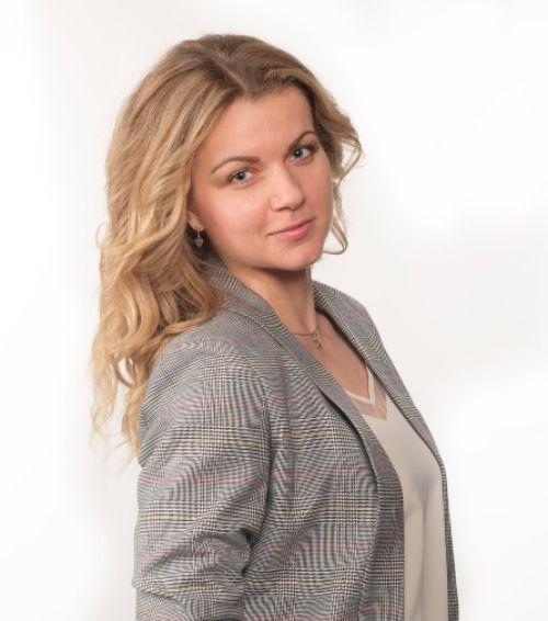 Олена Саріан